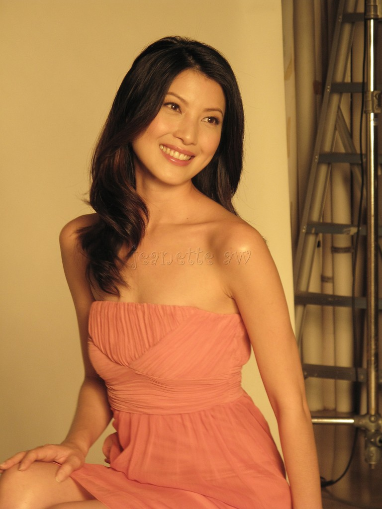 JEANETTE AW ������, Singapore Actress. SHES SWEET, SWEET AS CAN BE.