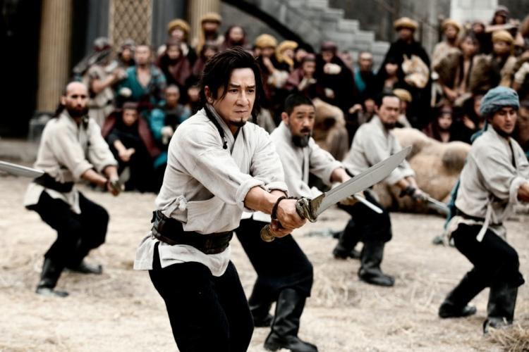 成龍率領一眾兄弟練習武術